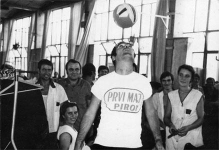 Socrealistički pimp style / Priče iz fabrike 1973.