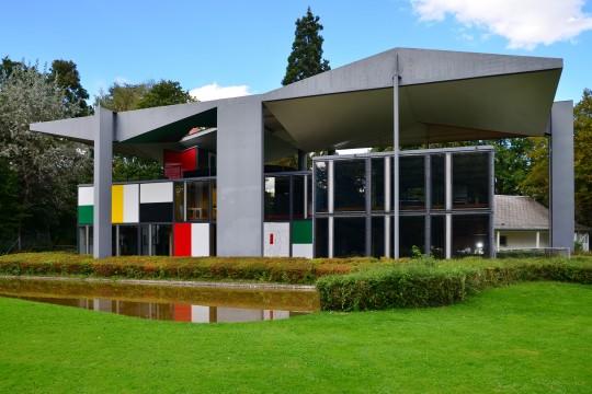Pavillon_Le_Corbusier_2012-09-30_00-32-17
