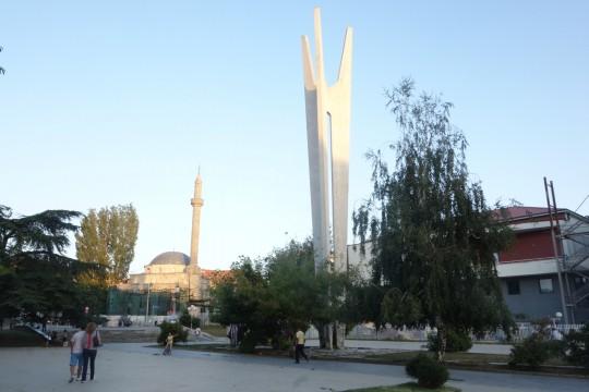 Spomenik bratstvu i jedinstvu u Prištini čeka rušenje