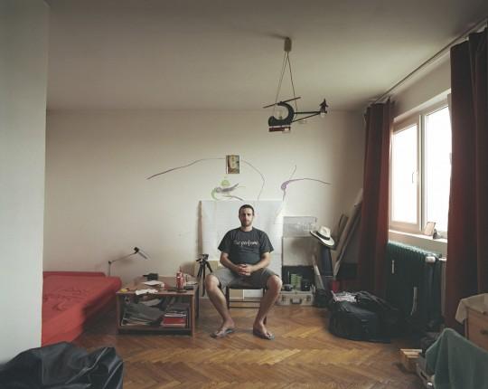Bogdan Grbovan u svojoj garsonjeri