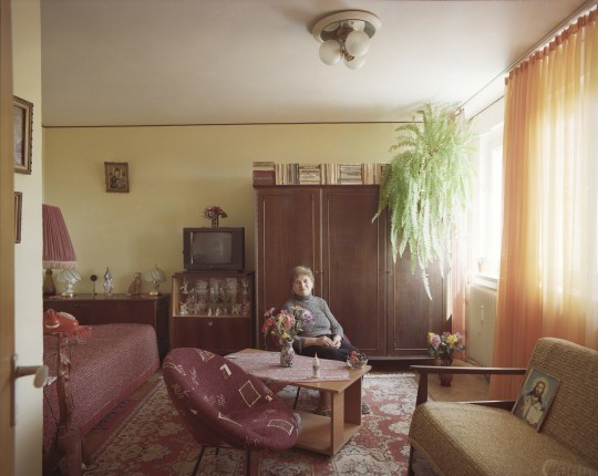 Gospo-æa Bica ++ivi u garsonjeri iz 1976