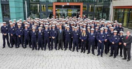 pol-k-140901-1-k-lev-polizeipraesident-wolfgang-albers-begruesst-neue-kommissare-foto
