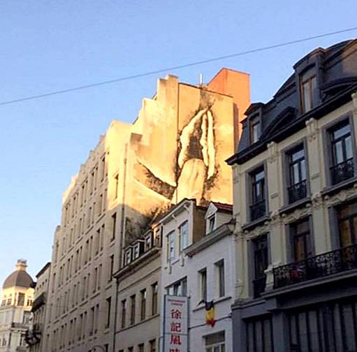 Bruxelles-le-mystère-de-la-bite-géante-04-511
